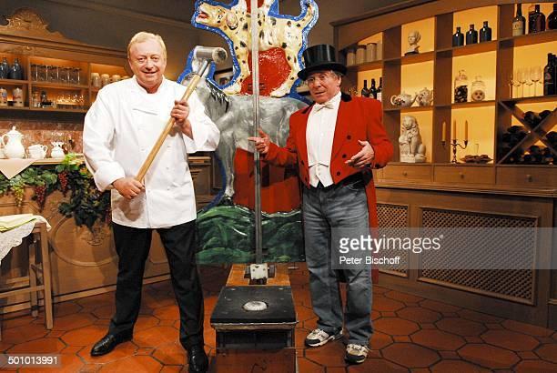 Alfons Schubeck Elmar Wepper BRKochund ComedyShow 'Meine bayerische Küche' 2 Staffel München Bayern Deutschland Europa Verkleidung Kostüm kostümiert...