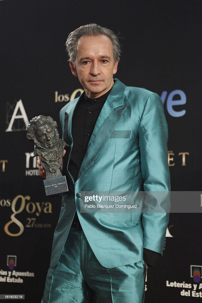 Alfonso de Vilallonga holds his award for Best Original Music in the film 'Blancanieves' during the 2013 edition of the 'Goya Cinema Awards' ceremony at Centro de Congresos Principe Felipe on February 17, 2013 in Madrid, Spain.