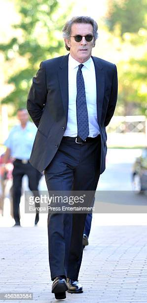 Alfonso Diez attends the funeral for Miguel Boyer at San Isidro Graveyard on September 30 2014 in Madrid Spain Spanish politician Miguel Boyer and...