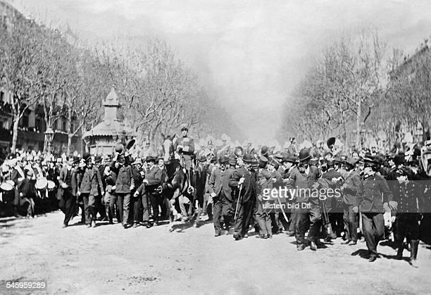 Alfonso XIII of Spain *17051886 the king arriving in Barcelona probably 1904 published in Berliner Illustrirte Zeitung BIZ 18/1904