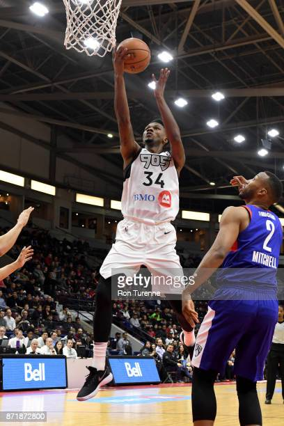 Alfonzo McKinnie of Raptors 905 goes for a lay up against the Long Island Nets during the NBA GLeague on November 8 2017 at the Hershey Centre in...