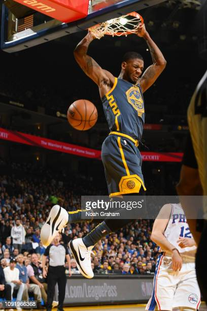 Alfonzo McKinnie of the Golden State Warriors dunks the ball during the game against the Philadelphia 76ers on January 31 2019 at ORACLE Arena in...