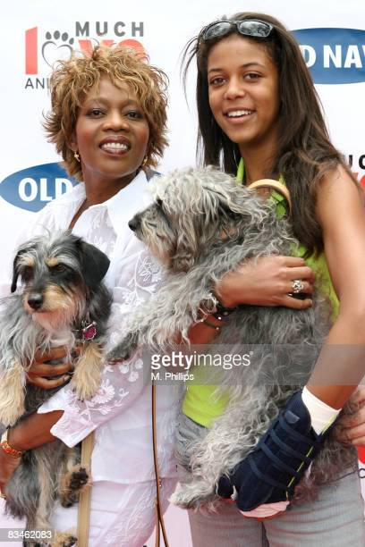Alfre Woodard Mavis Spencer their dogs Luna and Sofia