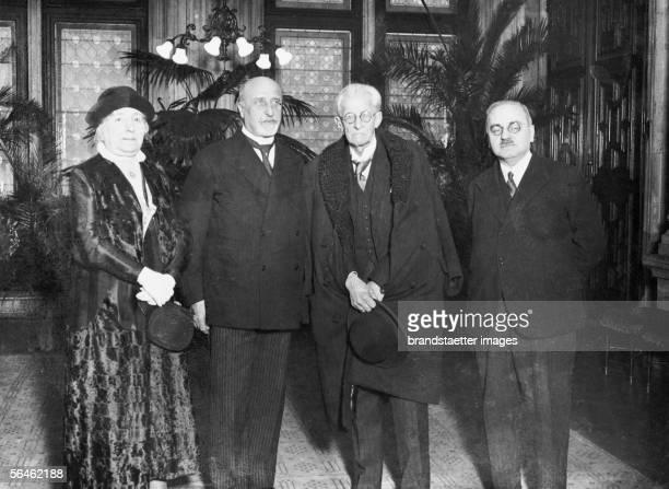 Alfred Adler being nominated as honorary citizen of the city of Vienna Photography about 1930 [Alfred Adler bei seiner Ernennung zum Ehrenbuerger der...