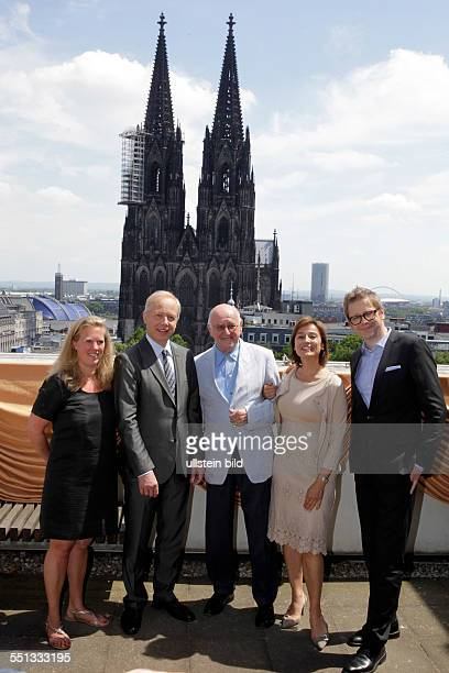 Alfred Biolek zum 80 Geburtstag Alfred Biolek Sandra Maischberger Hendrik Fritzler Redakteurin Christiane Hinz und WDRIntendant Tom Buhrow Der WDR...