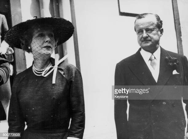 Alfred Duff Cooper, 1st Viscount Norwich, and his wife, in formal attire, circa 1940.