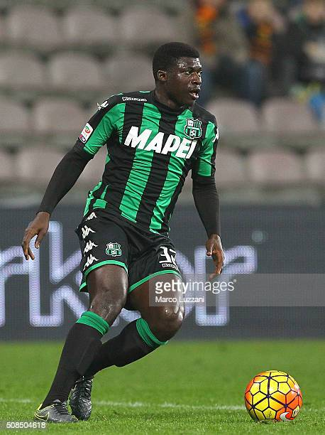 Alfred Duncan of US Sassuolo Calcio in action during the Serie A match between US Sassuolo Calcio and AS Roma at Mapei Stadium Città del Tricolore on...
