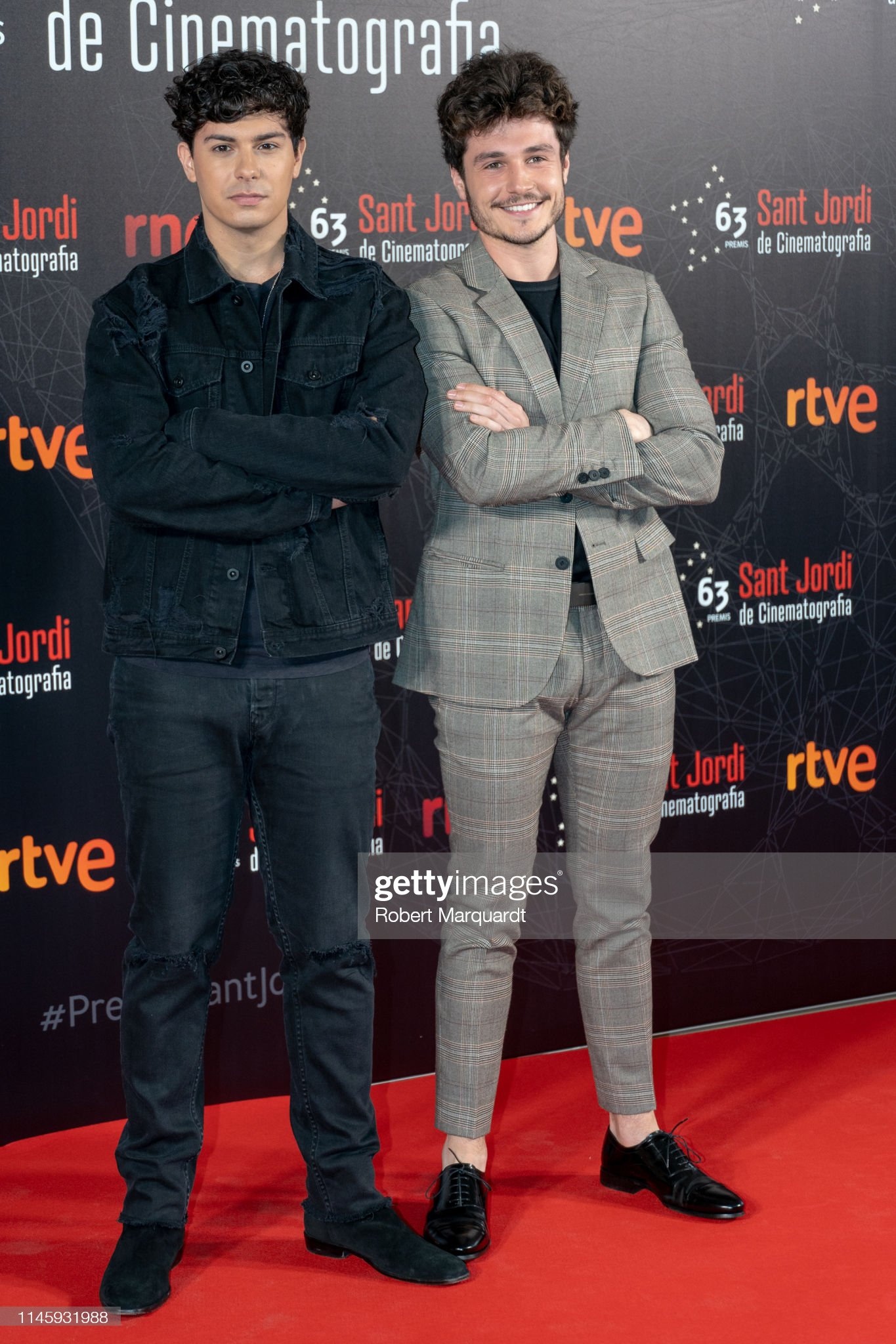 ¿Cuánto mide Miki Núñez? (OT 2018) - Altura - Página 2 Alfred-garcia-and-miki-pose-during-a-photocall-for-the-63rd-sant-picture-id1145931988?s=2048x2048