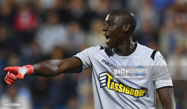 Alfred Gomis of Spal gestures during the Serie A match between SPAL and US Sassuolo at Stadio Paolo Mazza on September 27 2018 in Ferrara Italy