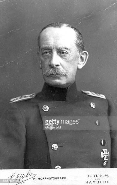 Alfred Graf von SCHLIEFFEN *28021833 Offizier D Chef des Generalstabs 18911905 Porträt undatierte Aufnahme um 1900 Fotografie von E Bieber