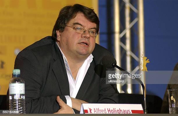 Alfred Holighaus anlässlich der Pressekonferenz zu den bevorstehenden 54. Internationalen Filmfestspielen