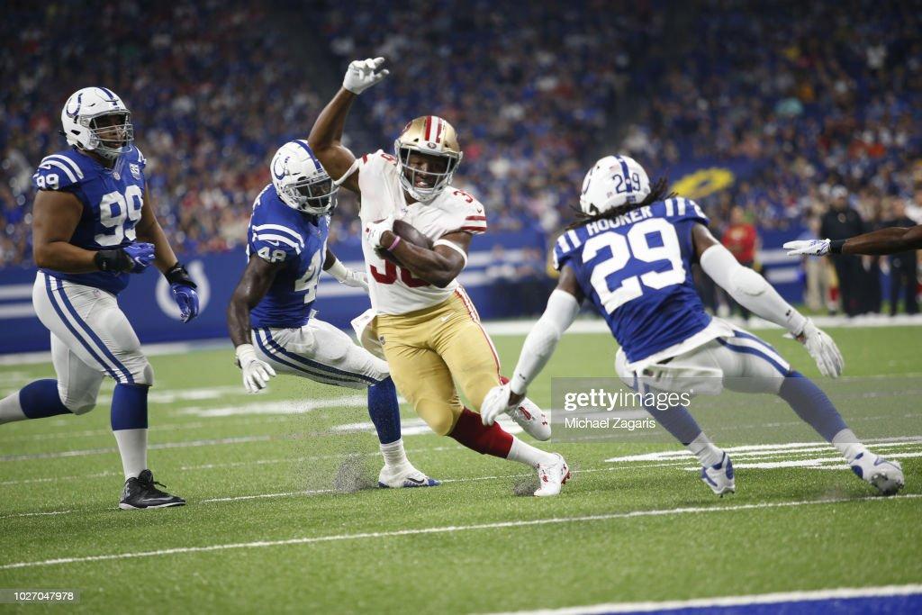 San Francisco 49ers v Indianapolis Colts : News Photo