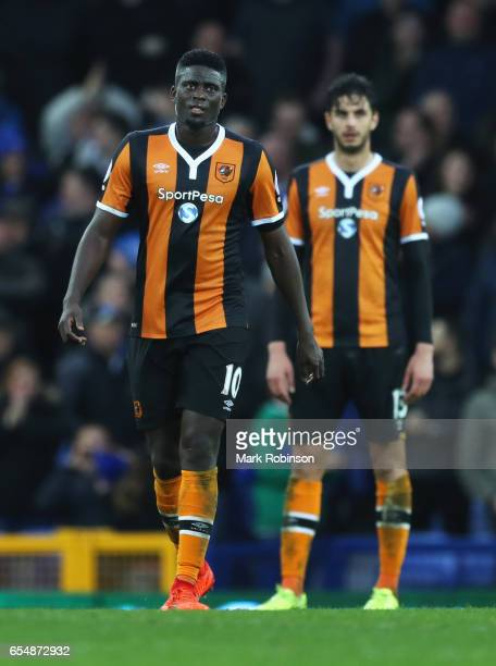 Alfred N'Diaye and Andrea Ranocchia of Hull City look dejected as Romelu Lukaku of Everton scores their fourth goal during the Premier League match...