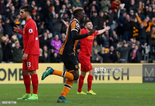 Alfred N'Diaye of Hull City celebrates his side's first goal during the Premier League match between Hull City and Liverpool at KCOM Stadium on...