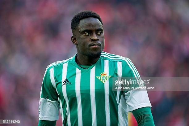 Alfred N'Diaye of Real Betis Balompie reacts during the La Liga match between Athletic Club Bilbao and Real Betis Balompie at San Mames Stadium on...