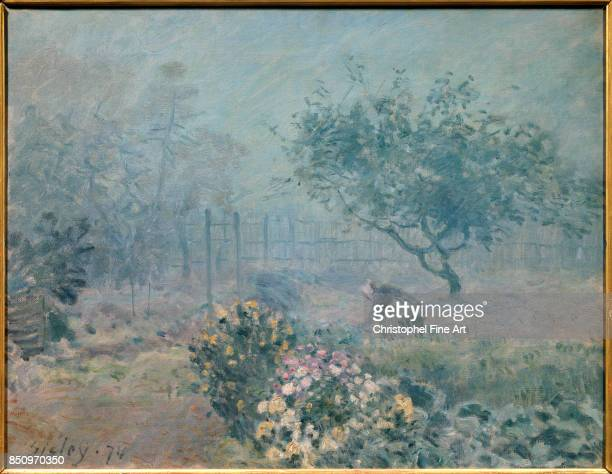 Alfred Sisley Fog Voisins 1874 Oil on canvas 050 x 065 m Paris Orsay Museum