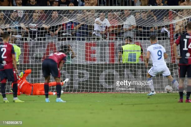 Alfredo Donnarumma of Brescia scortes his goal 01 during the Serie A match between Cagliari Calcio and Brescia Calcio at Sardegna Arena on August 25...