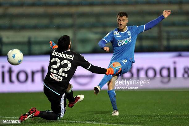 Alfredo Donnarumma of Empoli FC scores a goal during the serie B match between Empoli FC and Virtus Entella at Stadio Carlo Castellani on March 11...