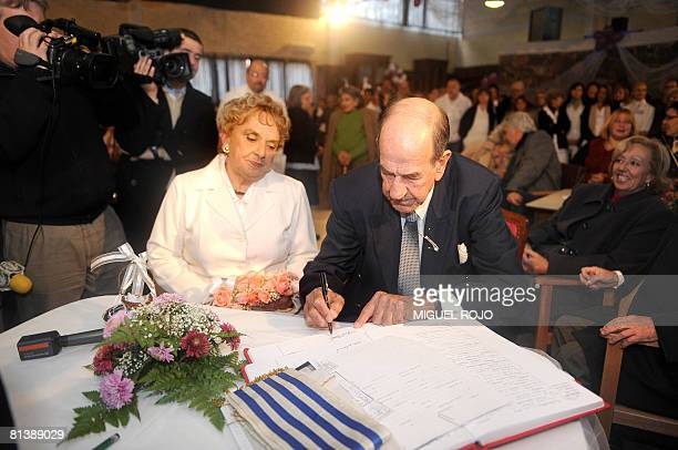 Alfredo Maciel and Nilsa Noble get married at the public geriatric hospital Pieyro del Campo in which they both live in Montevideo Uruguay on June 2...