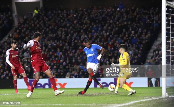 Alfredo Morelos of Rangers FC misses during the UEFA Europa League round of 32 first leg match between Rangers FC and Sporting Braga at Ibrox Stadium...