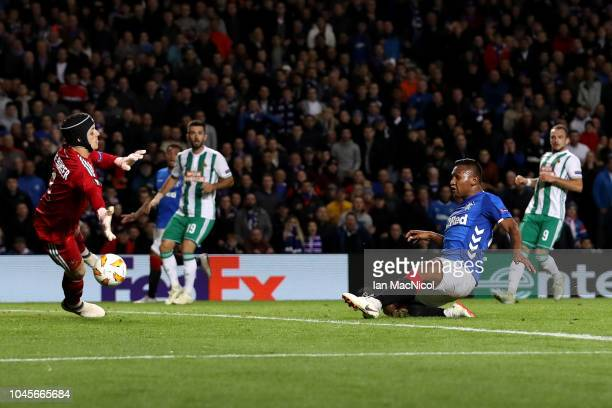 Alfredo Morelos of Rangers scores his team's first goal during the UEFA Europa League Group G match between Rangers and SK Rapid Wien at Ibrox...