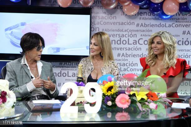 Alfredo Palacios Olivia Collins and Aleida Nunez broadcast live during the anniversary of 'Salud y Belleza' Show on August 30 2019 in Mexico City...