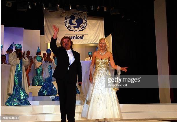 Alfredo Pauly Sabine Pauly 50 Jahre UNICEF Deutschland 'Sternen Gala' Bad NeuenahrAhrweiler Kurhaussaal PornoStar Mikrofon Showmaster Mikrofon Bühne...