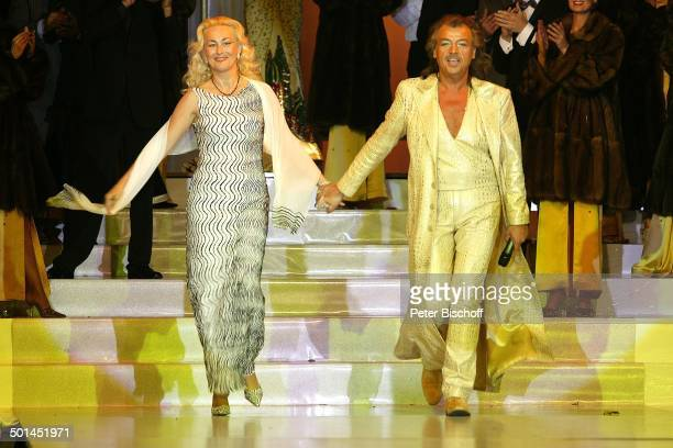 Alfredo Pauly und Ehefrau Modenschau Bad Neuenahr RheinlandPfalz Deutschland Europa Bühne Promi BB CD PNr 630/2005 100178