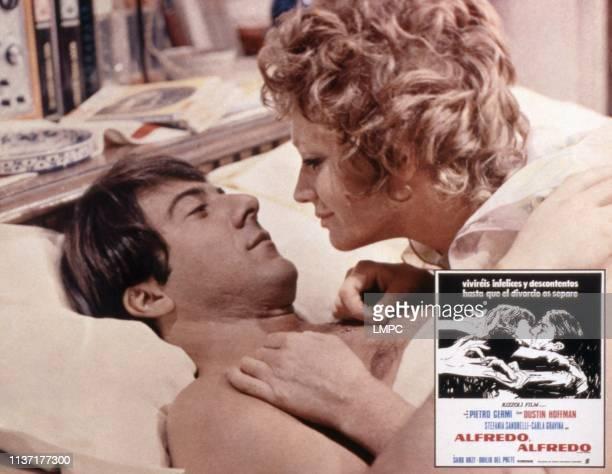 Alfredo, poster, , Dustin Hoffman, Carla Gravina, 1972.