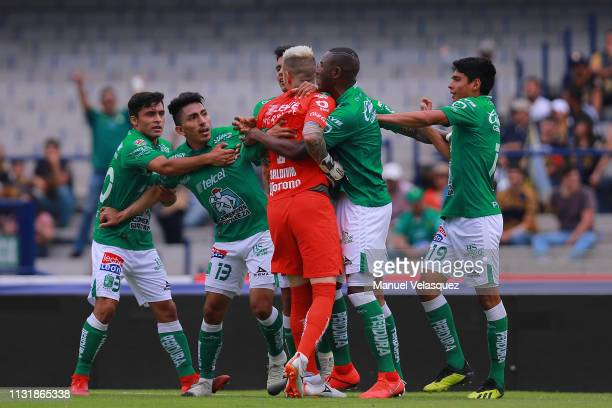 Alfredo Saldivar of Pumas argues with players of Leon during the 8th round match between Pumas UNAM and Leon as part of the Torneo Clausura 2019 Liga...