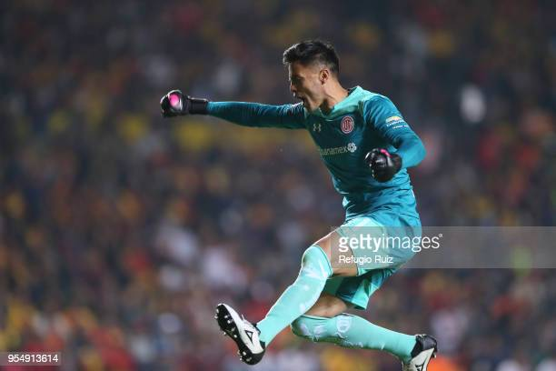 Alfredo Talavera goalkeeper of Toluca celebrates during the quarter finals first leg match between Morelia and Toluca as part of the Torneo Clausura...