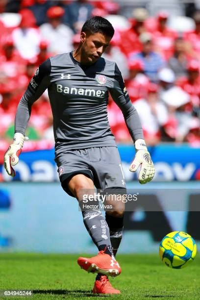Alfredo Talavera goalkeeper of Toluca kicks the ball during the 6th round match between Toluca and Veracruz as part of the Torneo Clausura 2017 Liga...