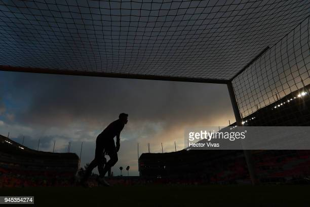 Alfredo Talavera of Toluca warms up prior the Championship match between Necaxa and Toluca as part of the Copa MX Clausura 2018 at Victoria Stadium...