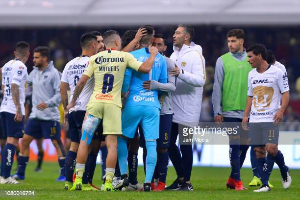 Alfredo Zaldivar of Pumas lament after 6 goals failed during the semifinal second leg match between America and Pumas UNAM as part of the Torneo...