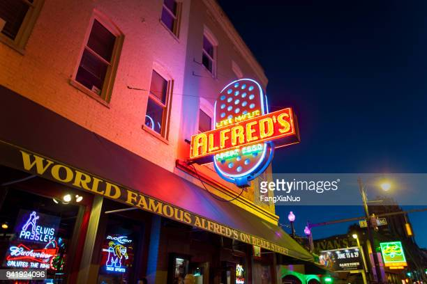 alfred's on beale street, memphis, tn - beale street stock pictures, royalty-free photos & images