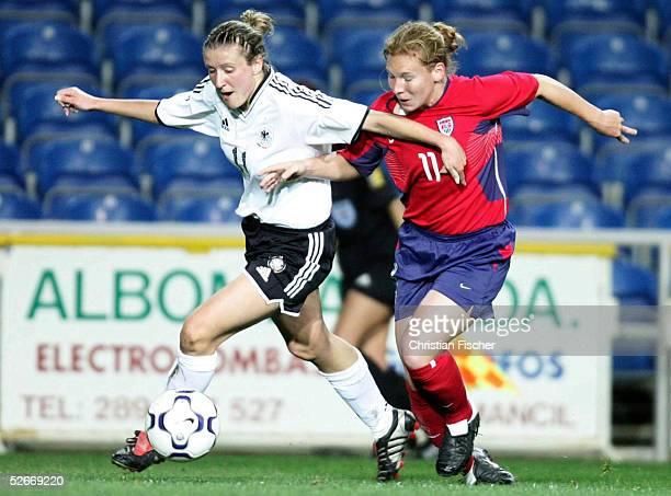 Algarve Cup 2005 Finale, Loule, 15.03.05; Deutschland - USA ; Anja MITTAG/GER gegen Lori CHALUPNY/USA