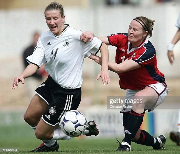 Algarve Cup 2005 Silves 110305 Deutschland Norwegen Anja MITTAG/GER gegen Unni LEHN/NOR
