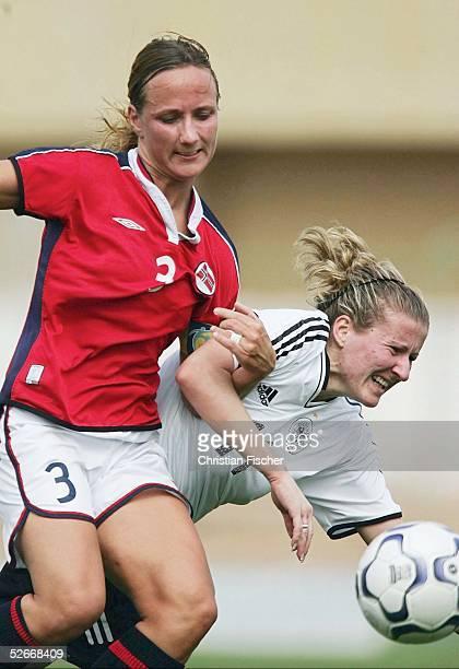 Algarve Cup 2005 Silves 110305 Deutschland Norwegen Anja MITTAG/GER gegen Anne STANGELAND/NOR