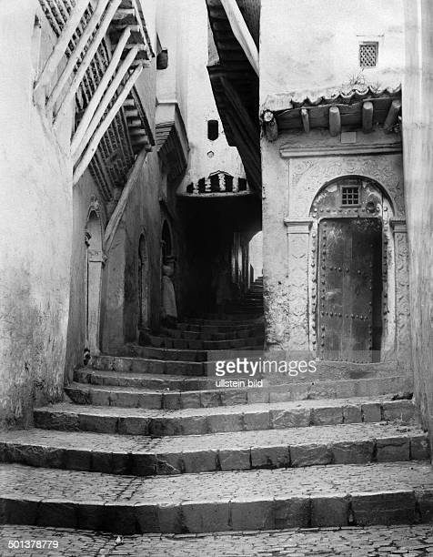 Kasbah of Algier the street 'Rue du Chameau' undated probably around 1910 Photographer Haeckel