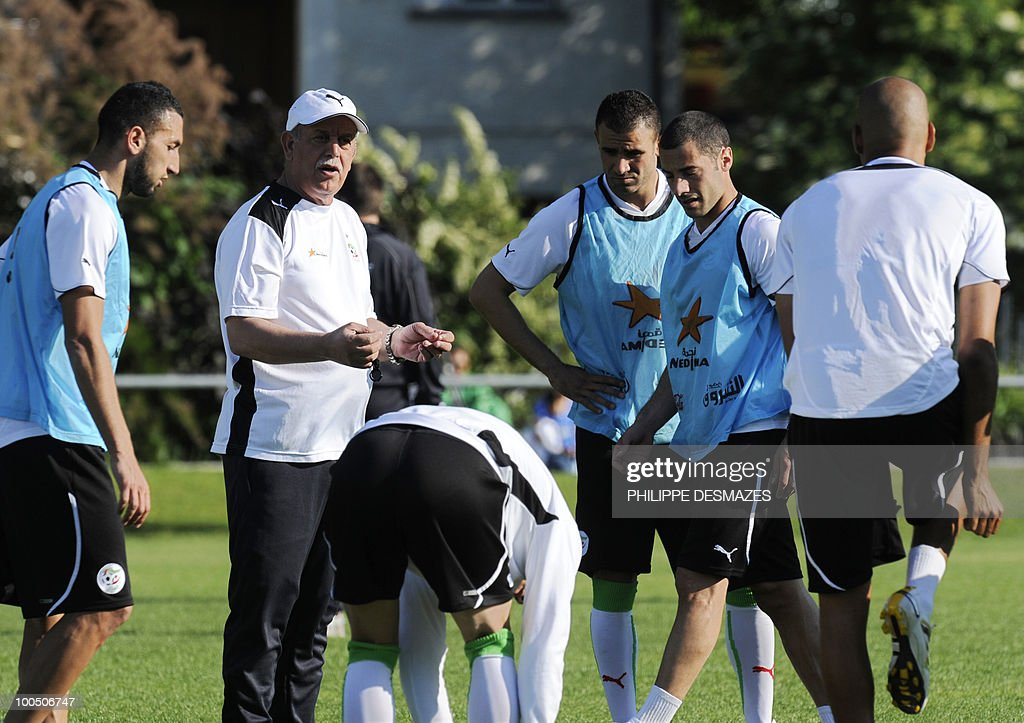 Algeria coach's Rabah Saadane talks to his players during a practice session on May 25, 2010 in the Swiss Alpine resort of Crans-Montana ahead of the FIFA World Cup 2010 finals in South Africa.
