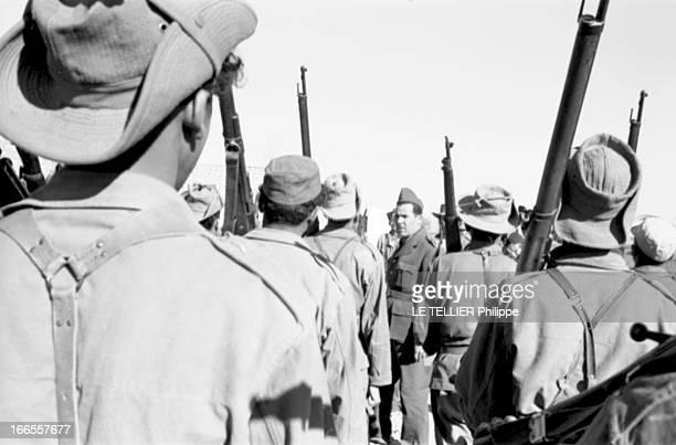 General Bellounis Joined The French Army Guerre d'Algérie DarChioukh décembre 1957 le général BELLOUNIS passant ses troupes en revue entièrement...