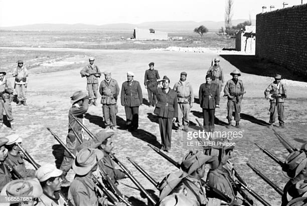 General Bellounis Joined The French Army Guerre d'Algérie DarChioukh décembre 1957 devant son PC le général BELLOUNIS passant ses troupes en revue...