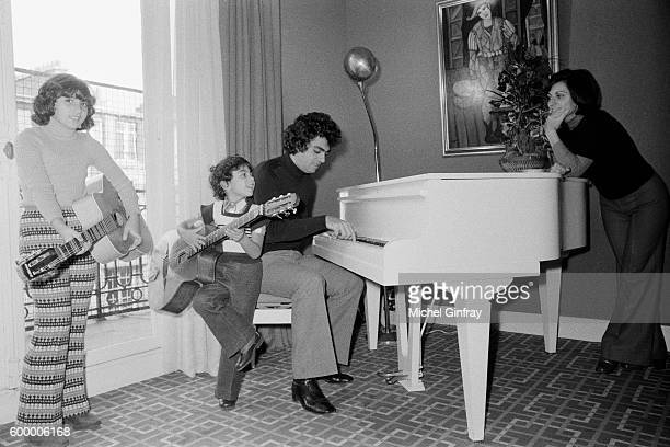 Algerian French Pied noir singer and songwriter Enrico Macias and his wife Suzy Leyris and their children Jocy and JeanClaude Ghrenassia at home in...