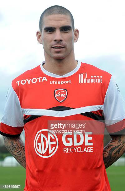 Algerian international defender Carl Medjani poses at his presentation on January 10 2014 after joining Valenciennes on loan from Monaco until the...