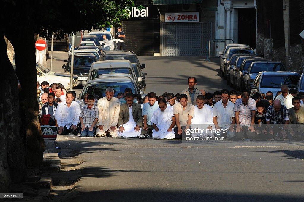 Wonderful Algeria Eid Al-Fitr 2018 - algerian-men-pray-outside-a-mosque-on-october-1-2008-in-algiers-on-picture-id83071624  Picture_323615 .com/photos/algerian-men-pray-outside-a-mosque-on-october-1-2008-in-algiers-on-picture-id83071624
