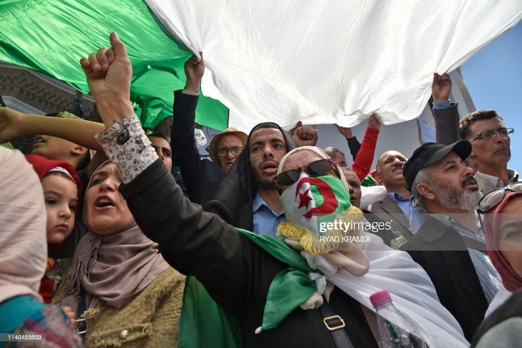ALGERIA-POLITICS-MAY DAY-DEMO : News Photo