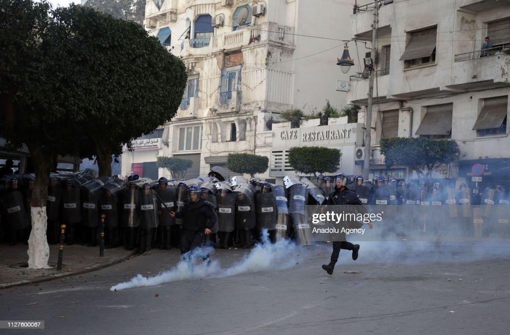 Algerian students protest against the fifth term of Abdelaziz Bouteflika : News Photo