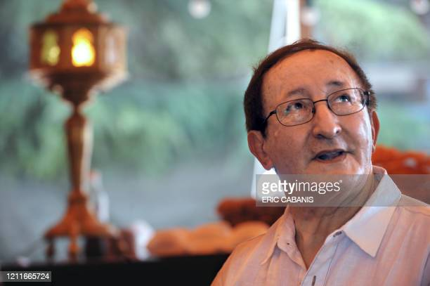 Algeria's Berber singer Idir is pictured on June 18, 2009 in Toulouse, southwestern France, during the 15th edition of the Rio Loco Music Festival....