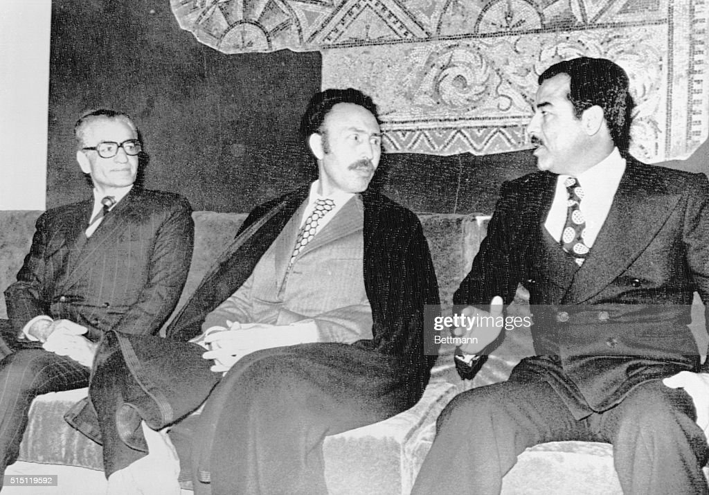 Algeria President Boumedienne with Saddam Hussein and Shah of Iran : ニュース写真