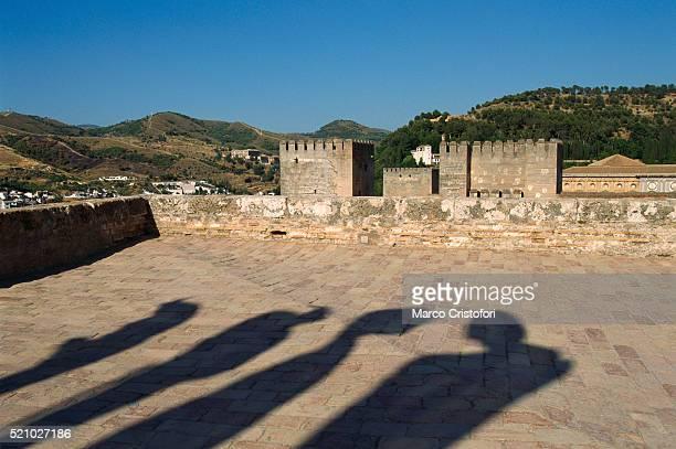 alhambra in granada, andalusia, spain - marco cristofori fotografías e imágenes de stock